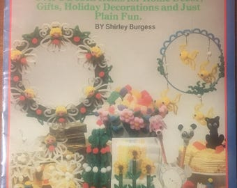 Chenille - Pompoms Basic Crafting Book - Angels, Xmas Tree, Pencil Toppers, Napkin Rings, Flowers and more