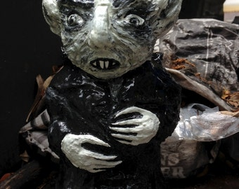 Nosferatu vampire horror figure, solid garden gnome, Gartenzwerg, 8 inches, 20cm, inspired by Murnau's Count Orlok, Halloween decor