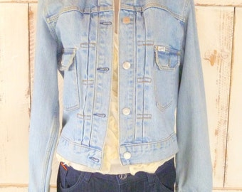 Vintage light blue denim jean Guess jacket