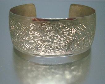 Gold-Ton Manschette Armband geprägt Design Vintage r