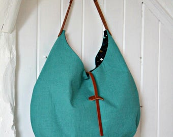 Slouchy tote bag in jade green linen | Hobo bag with original closure | Linen hobo purse | Casual shoulder bag | Round bag | Colorful bag