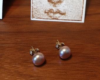 Lavender luster pearls