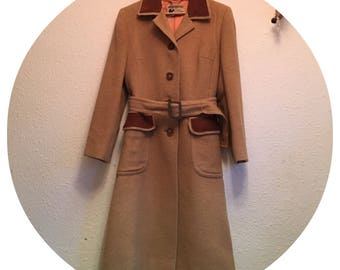 Vintage 70's 100% Camel hair Beige Trench coat Size 12
