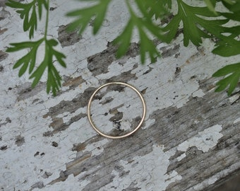SOLIS 10 karat gold hand-forged delicate minimalist band