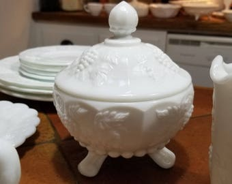 Vintage Westmoreland Paneled Grape Covered Milk Glass 3 Toed/Footed Candy Dish