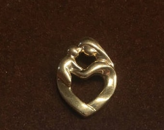 Gold Mother Baby Pendant