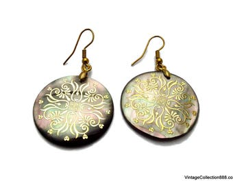 Earrings carved of Mother of Pearl, nacre