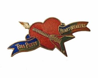 TOM PETTY & The HEARTBREAKERS vintage enamel pin button badge lapel rock band