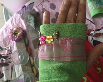 Green felt cuffs with embroidery-thumb hole