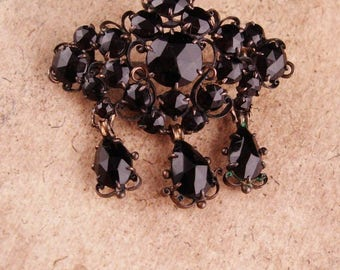 Antique GEORGIAN Brooch / chandelier drop / Black JET mourning jewelry / c clasp DROP Brooch / victorian jewelry