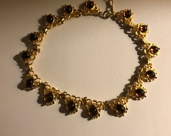 Vintage lucite glass beaded and gold tone necklace