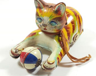 Vintage Tin Litho Toy Cat Chasing Ball. TN Made in Japan. Decorative Tin Toys. Collectible Vintage Toys.