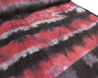 Fabric Italian. Batik linen jacquard crash red black and white with rapport cloth (19.80 EUR/meter)