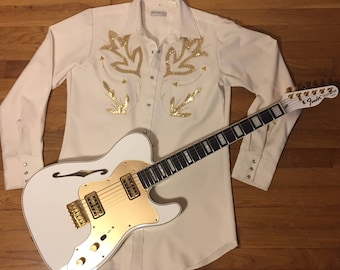 Vintage western pearl snap shirt/Cream color with gold flowers/Medium/Tall/Long tail/Sheplers/Rare