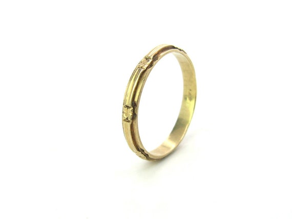 Vintage 1920s Art Deco Wedding Ring. 14K Gold Eternity, Anniversary Band. Carved Flowers. Size 11, Unisex Jewelry