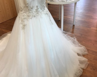 18/ Illusion Ballgown Tulle Wedding Gown / Silver Beads Bodice / Tulle Wedding Gown / Beaded and Crystal Appliqués / Size 16/ Tulle