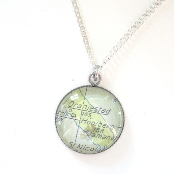Personalized map necklace - Central america