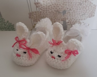 Crochet baby booties, baby girl booties, bunny baby booties, rabbit baby slippers, newborn baby shoes, white baby booties, cute baby booties