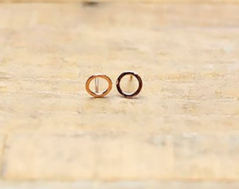 Circle earrings / minimal earrings/ rose gold earrings