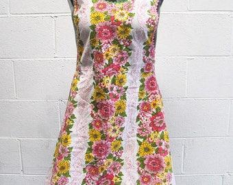 Vintage 70s Floral Retro Apron