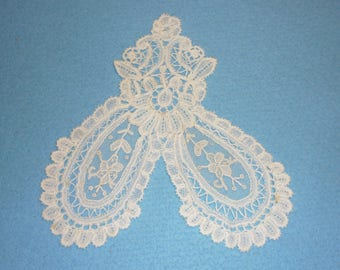 1 Antique Brussels Duchesse Point De Gaze Lace  JABOT  Perfect Bobbin Lace