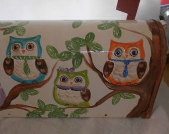 Hand painted standard mailbox. Painted in cute owls sitting in a tree.  Sealed and uv protected