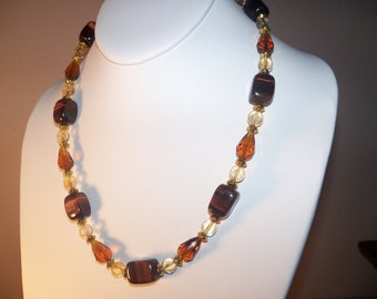 A Beautiful Tiger Eye and Natural Citrine Necklace and Earrings. (2014100)