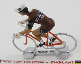 Eddy Merckx Tour De France - Molteni 1971 - Individually Handcrafted French Peloton Cycling Figure