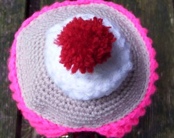 quirky cupcake crochet tea cosy