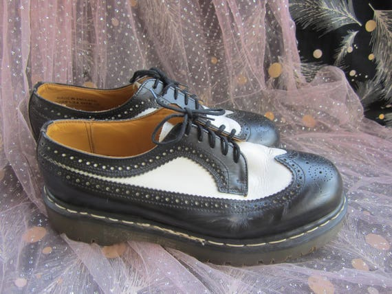 90's Dr. Martens Wingtip Brogue Black and White Oxfords Saddle Shoes Chunky  Thick Soles Mens Shoes Goth Punk Rockabilly Retro 50's Creepers