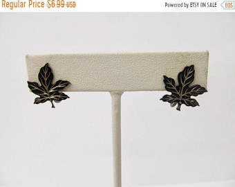 On Sale Vintage Sterling Silver Enameled Leaf Earrings Item K # 539