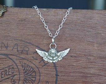 Solid Silver Antique Style Winged Cherub Angel Putti Necklace