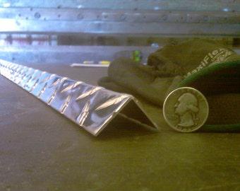 Aluminum Diamond Plate Angle .062 x 1 x 1 x 48 in. UAAC (4pcs) | (1/16 x 1 x 1 x 48 in.)
