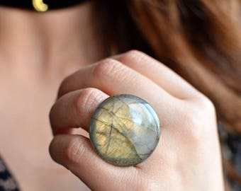 Labradorite Round Ring - The Moon Ring