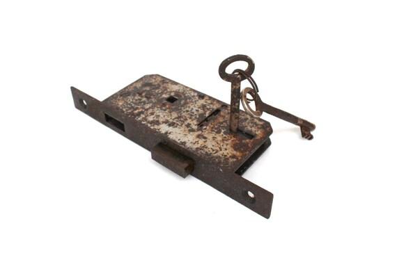 Antique door lock mechanism with two skeleton keys FULLY FUNCTIONAL Rustic  door lock Hardware restoration Vintage door lock Old locks from  SoYesterdaySoCool ... - Antique Door Lock Mechanism With Two Skeleton Keys FULLY FUNCTIONAL
