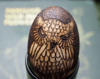 Wise Old Owl Wooden Egg - Oestra - Spring Equinox - Pagan, Wicca, Witchcraft, Easter, Pyrography