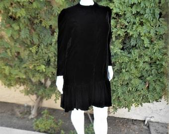 Vintage 1970's Lilli Diamond Black Velvet Evening Coat - Size 14