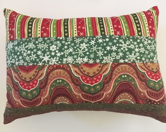 Quilted Christmas Pillow. Christmas Decorative Pillow. Christmas Decoration. Quilted Xmas Pillow. Christmas Decor. Christmas Toss Pill