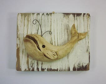 WHALE CERAMIC WOOD BACKGROUND LILLIEN