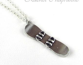Snowboard necklace, Snowboarder, Snow birthday gift, Gift for a snowboarder, Snowboard gift, Snow boarder gift, Snowboarding necklace