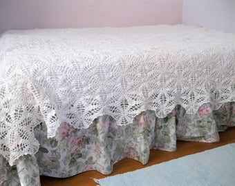 Large Crochet Bedspread, Crochet Tablecloth, Window Treatment, Bedding, Shabby Cottage, Handmade, Heirloom, by mailordervintage on etsy