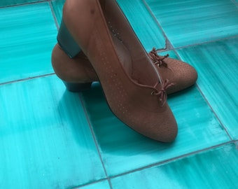 LOW HEEL Lace-Up PUMPS Vintage 60 'Gennysar' Made in Italy Tawny Suede Leather Shoes Stacked Heel sz. 37