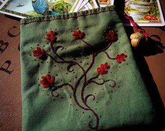 Handmade 'Tree of life' embroidered pouch / / pouch for tarot, runes, pendulum or other treasures