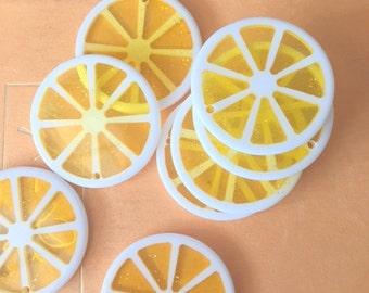 Vintage LEMON SLICE Charms....dangly. cute. kitschy. vintage charms. lemonade. resin. retro. kitsch jewelry. fruit. lemon slice. drink