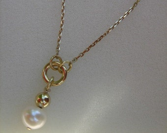 Necklace in gold 585 (14 K) with freshwater cultured pearl!