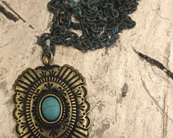 Rustic victorian pendant necklace
