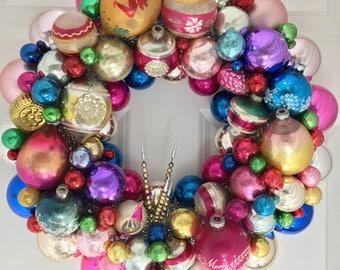 "Vintage Ornament Wreath 17"""
