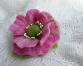 Felted Brooch,Pink Felt flower brooch,wool felt accessories,pink poppy brooch,unique,wet felt brooch flower,felted flower Pin,wool,Felt pins
