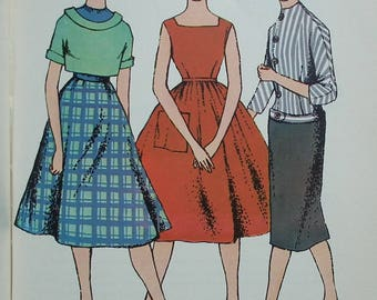 Vintage needlework book for girls - Making Your Own Clothes Valerie Cliffe - 1950s 1960s dressmaking sewing book - mending darning applique