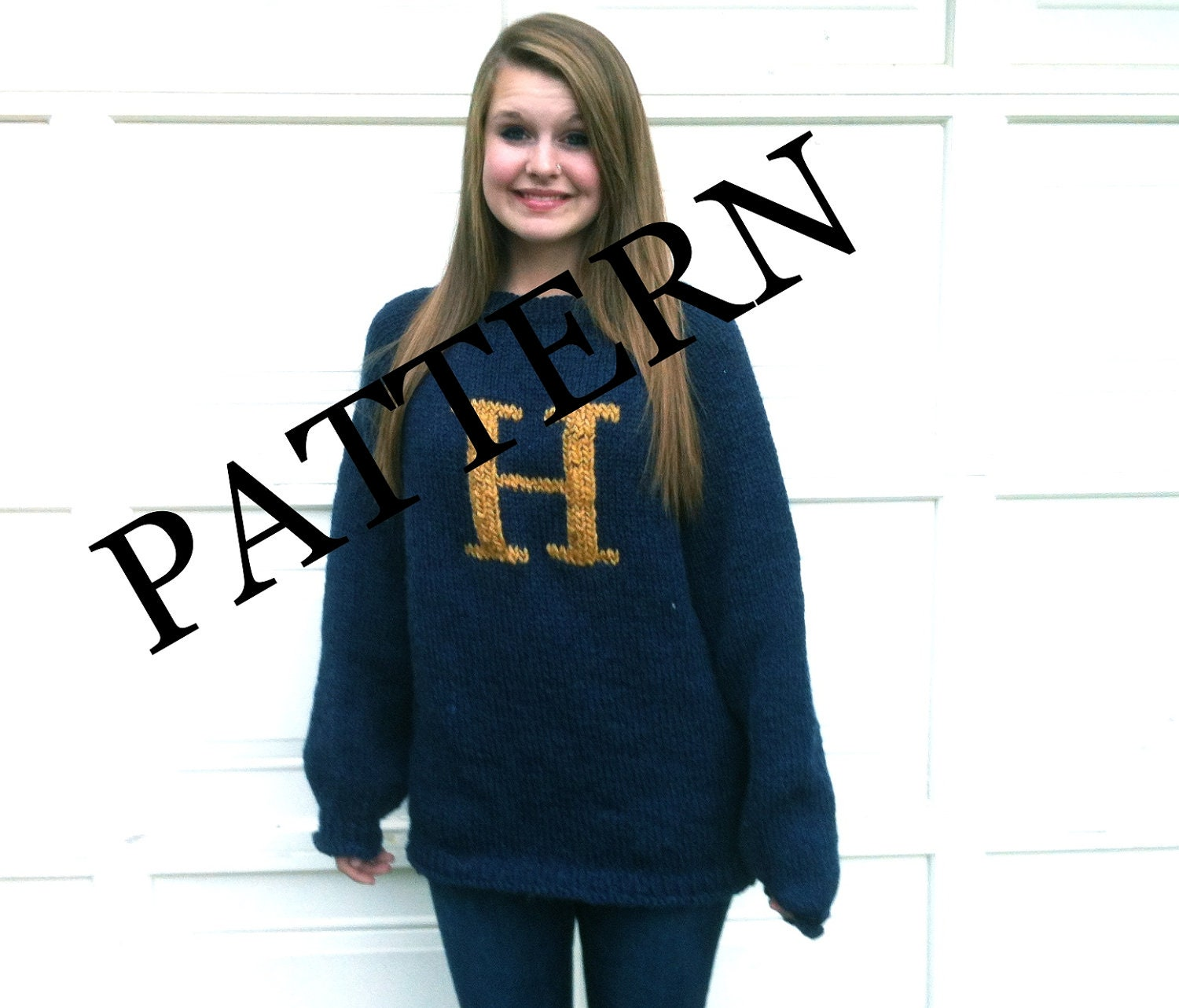 PATTERN PATTERN PATTERN Sweater with Letter H